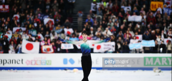 Yuzuru Hanyu wins second World title in record setting fashion